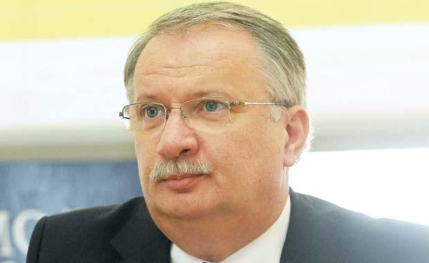 Ministrul MANG-litor, ministrul educației române !