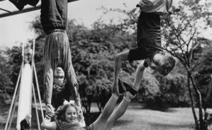 Jocurile copiilor în Anglia interbelică