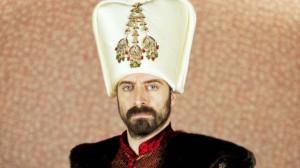 halit-ergenc-protagonistul-din-suleyman-magnificul-sub-domnia-iubirii-am-lucrat-new-york-ospatar-chelner-186612[1]