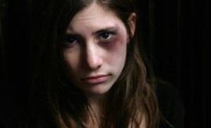 peste-620-de-minori-romani-au-fost-abuzati-sexual-in-2010-106845[1]