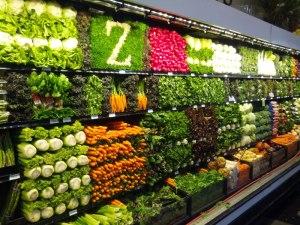 vegetable-display-art-grocery-store-supermarket[1]